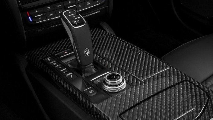 Maserati Quattroporte (2019) Interior 005