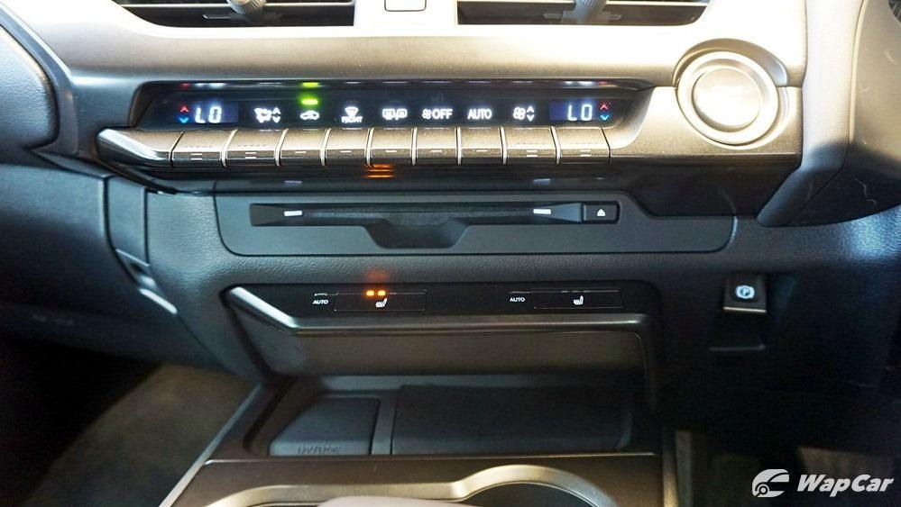 2020 Lexus UX 200 Urban Interior 015