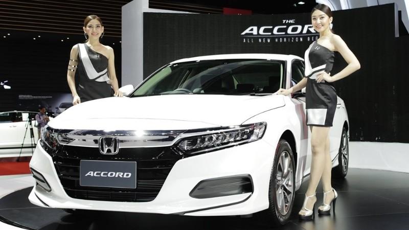 2020 Honda Accord front view