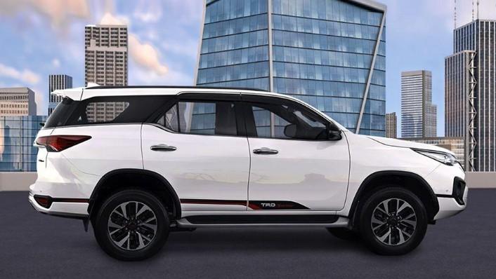 Toyota Fortuner (2018) Exterior 004