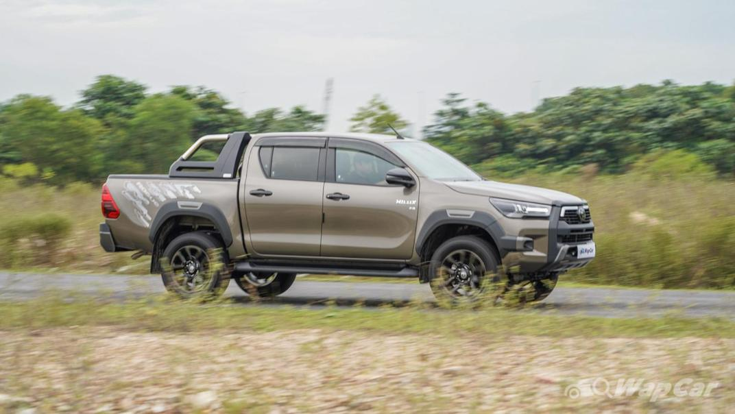 2020 Toyota Hilux Double Cab 2.8 Rogue AT 4X4 Exterior 056