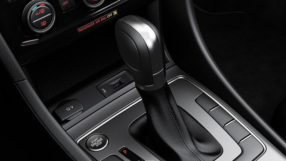 2020 Volkswagen Passat Interior 006