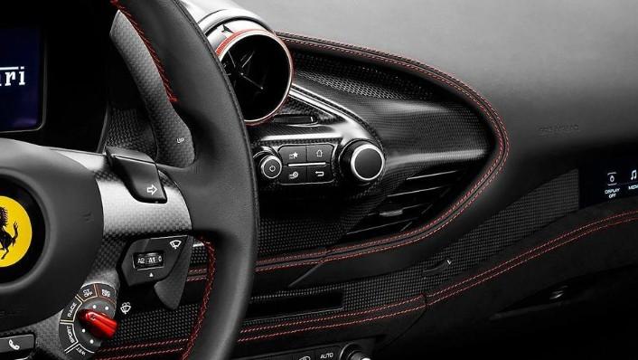 Ferrari F8 Tributo (2019) Interior 004