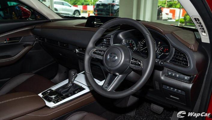 2019 Mazda 3 Sedan 2.0 SkyActiv High Plus Interior 002