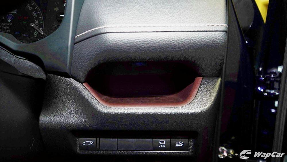 2020 Toyota RAV4 2.5L Interior 076