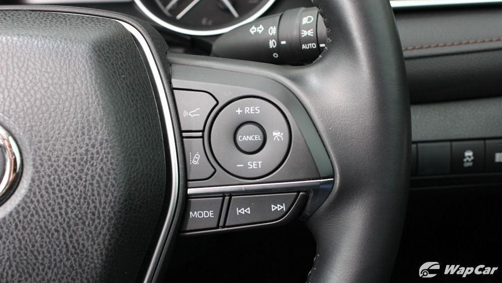 2019 Toyota Camry 2.5V Interior 045