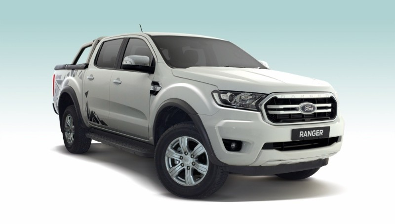 Ford Ranger XLT 2.2L Special Edition front quarter view