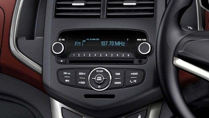 Chevrolet Sonic Sedan (2016) Interior 005