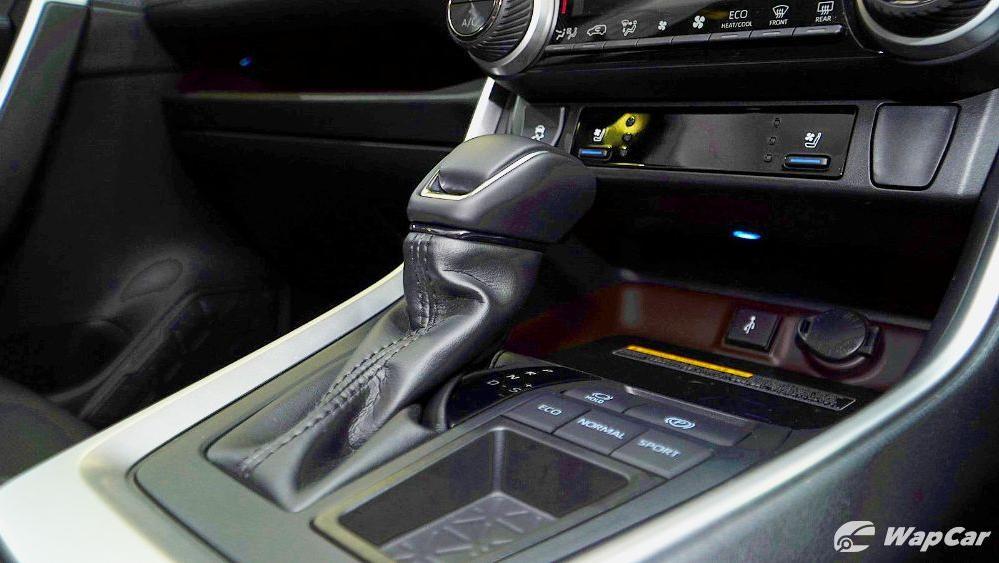 2020 Toyota RAV4 2.5L Interior 070
