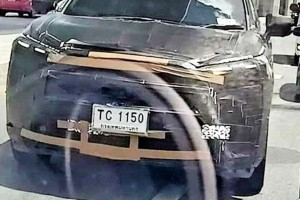 Spied! Toyota Corolla Cross's heavily camouflaged front-end