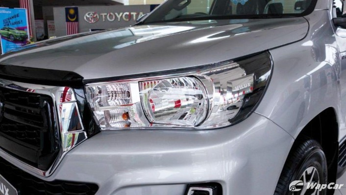 2018 Toyota Hilux Double Cab 2.4 L-Edition AT 4x4 Exterior 009