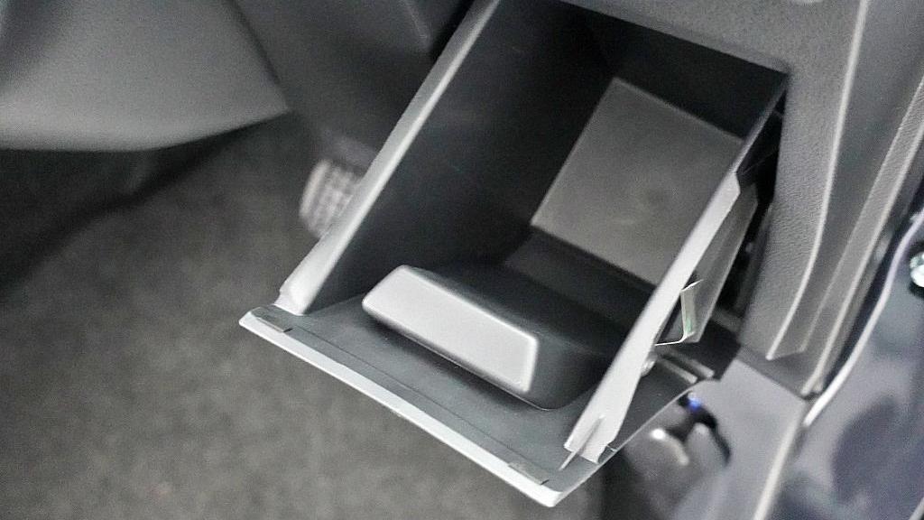 2018 Perodua Axia SE 1.0 AT Interior 025