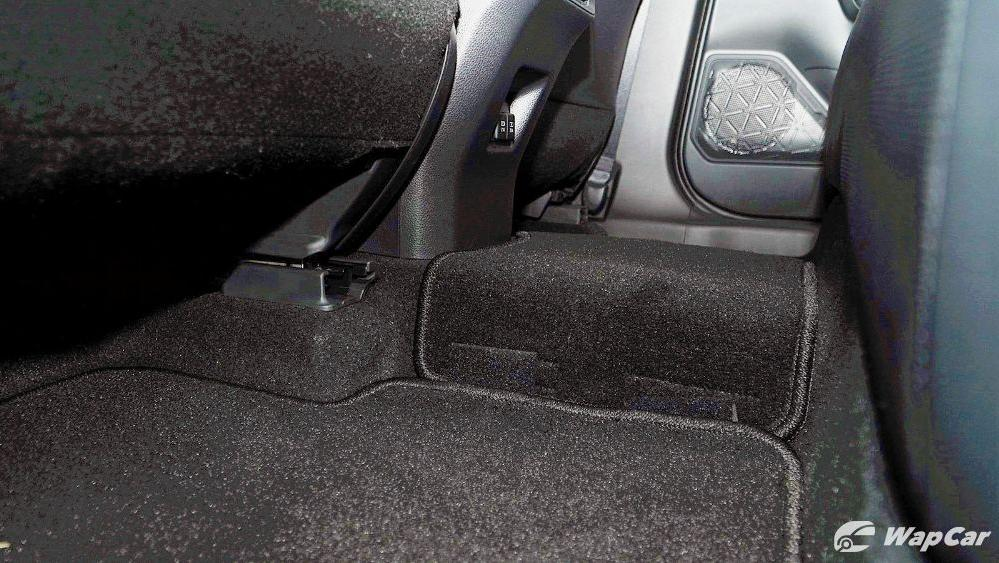 2020 Toyota RAV4 2.5L Interior 078