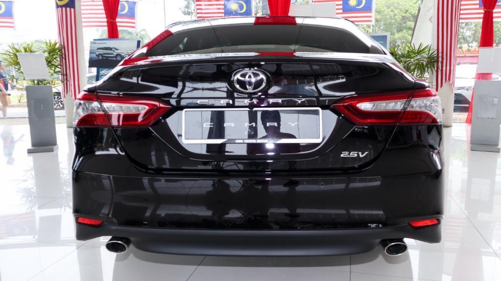 2019 Toyota Camry 2.5V Exterior 005