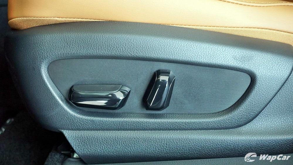 2020 Lexus UX 200 Luxury Interior 046
