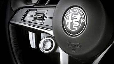 Alfa Romeo Giulia (2019) Interior 033