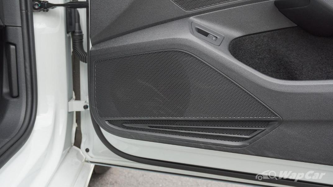 2020 Volkswagen Passat 2.0TSI R-Line Interior 020