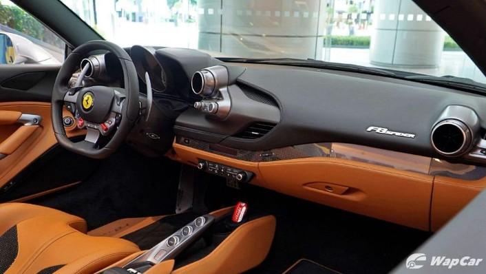 2020 Ferrari F8 Spider  Interior 002