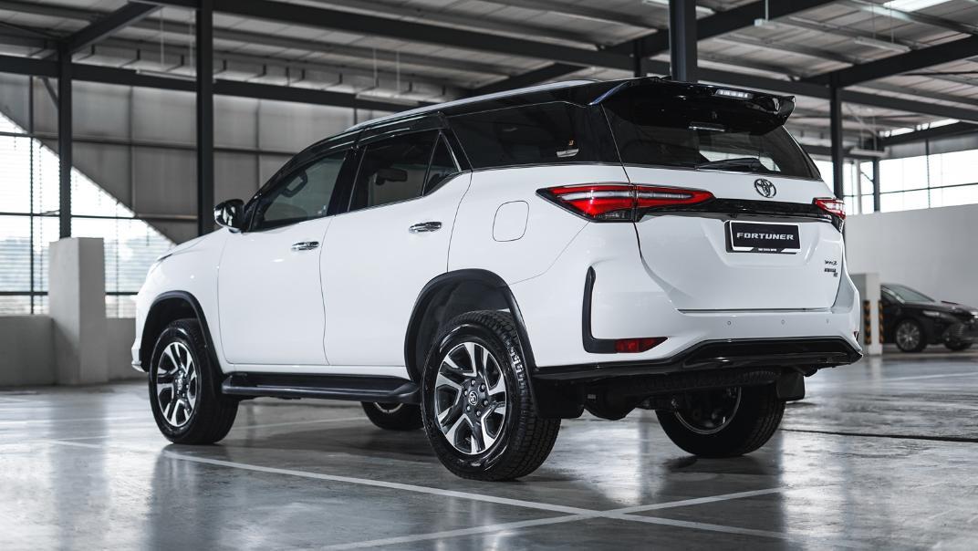 2021 Toyota Fortuner 2.8 VRZ AT 4x4 Exterior 004
