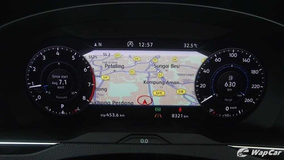 2018 Volkswagen Passat 2.0 TSI Highline Interior 017