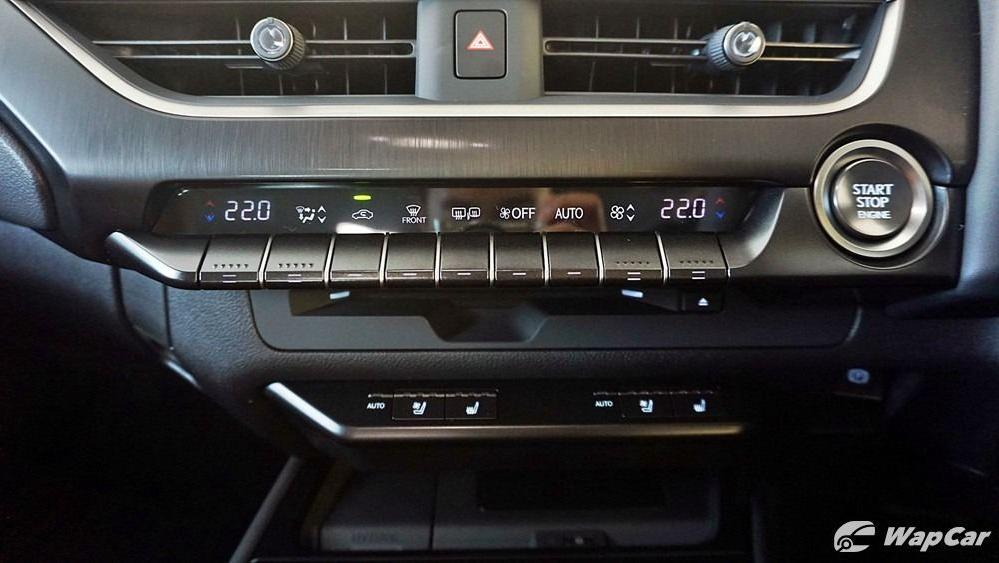 2020 Lexus UX 200 Luxury Interior 019