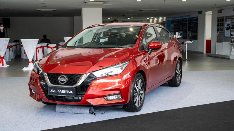 Nissan acah Nissan Almera Turbo dalam warna merah. Persaingan makin membara? 02