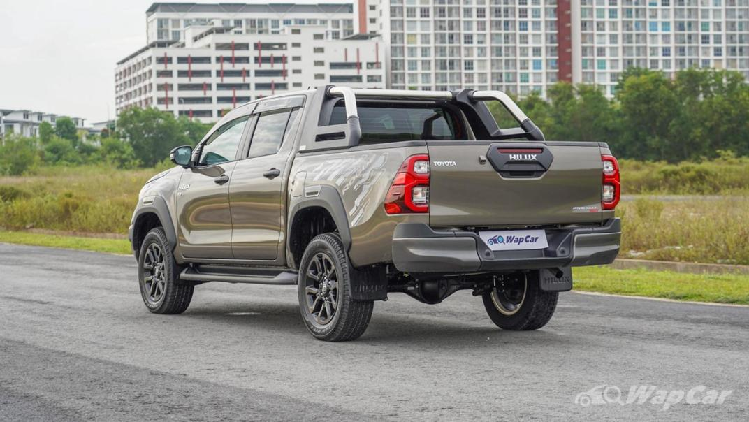2020 Toyota Hilux Double Cab 2.8 Rogue AT 4X4 Exterior 007