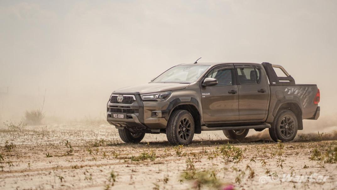 2020 Toyota Hilux Double Cab 2.8 Rogue AT 4X4 Exterior 103