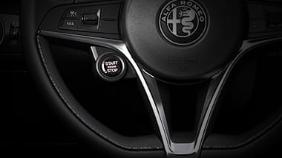 Alfa Romeo Giulia (2019) Exterior 015