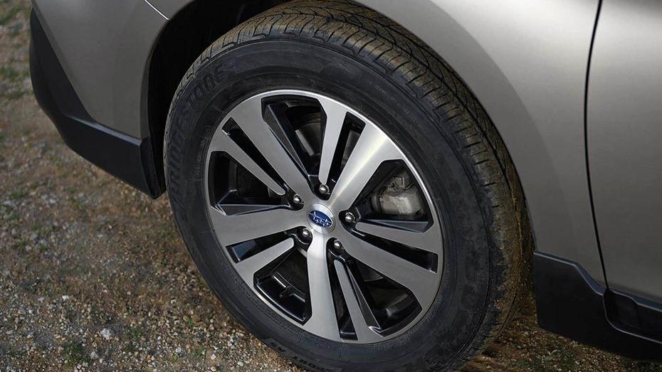 Subaru Outback (2018) Exterior 012