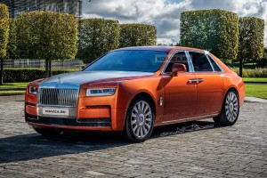 Here's what the next-gen Rolls-Royce Ghost could look like; full EV variant possible