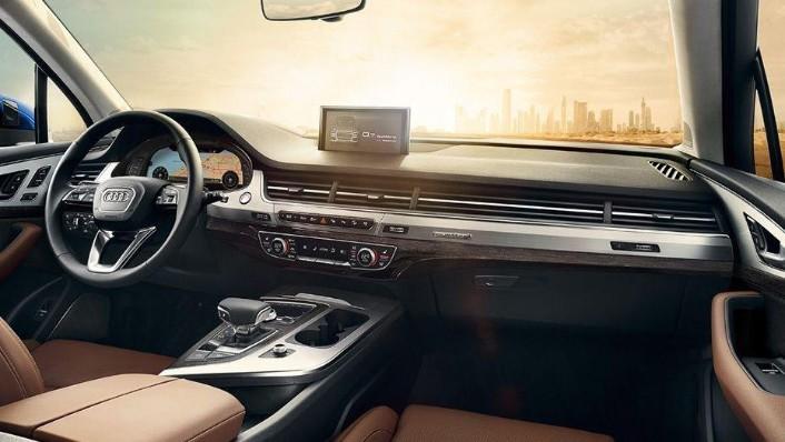 Audi Q7 (2019) Interior 001