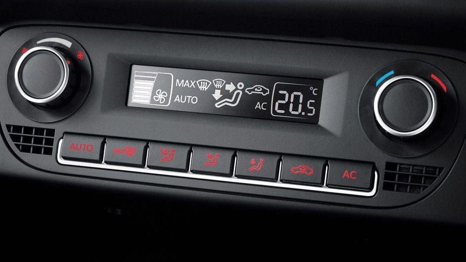 Volkswagen Polo (2018) Interior 006