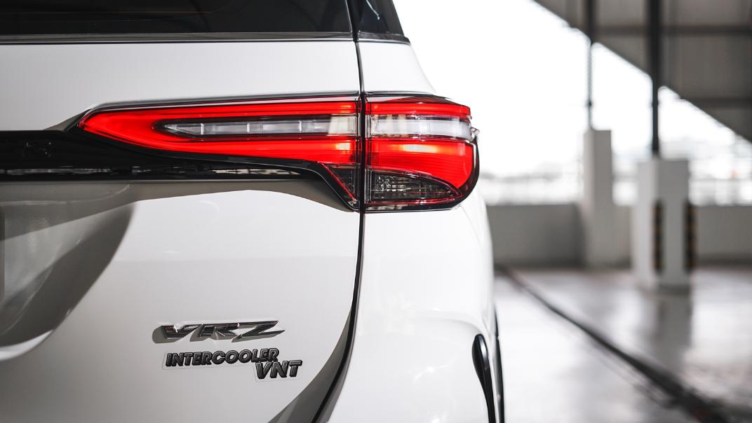2021 Toyota Fortuner 2.8 VRZ AT 4x4 Exterior 009