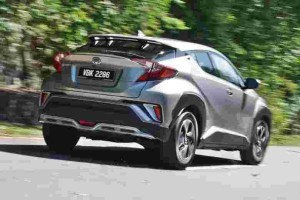 Review: Toyota C-HR – are you nuts to pay RM 150k for this? Maybe.