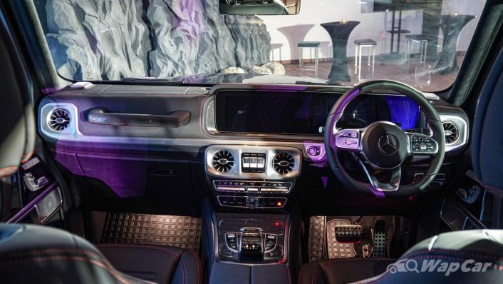 2020 Mercededs-Benz G-Class 350 d Interior 010