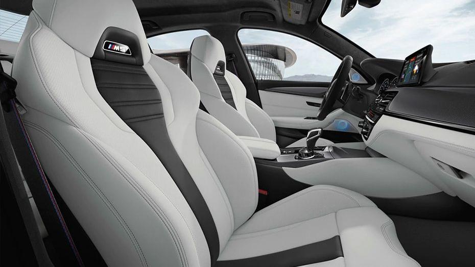 BMW M5 (2019) Interior 012