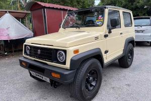 If you dislike this tastefully restomodded 1990 Suzuki Jimny, you dislike cars