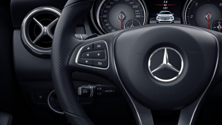 Mercedes-Benz AMG GLA (2019) Interior 006