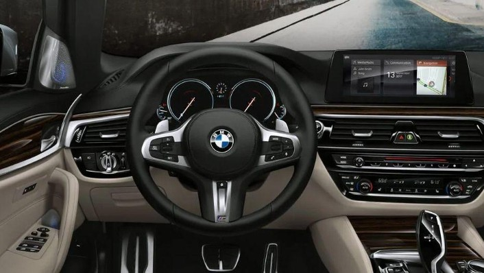 BMW 5 Series (2019) Interior 001
