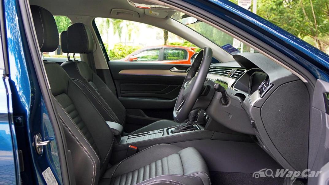 2020 Volkswagen Passat 2.0TSI Elegance Interior 004