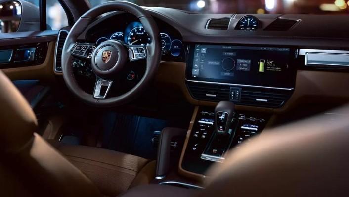 Porsche Cayenne (2019) Interior 004