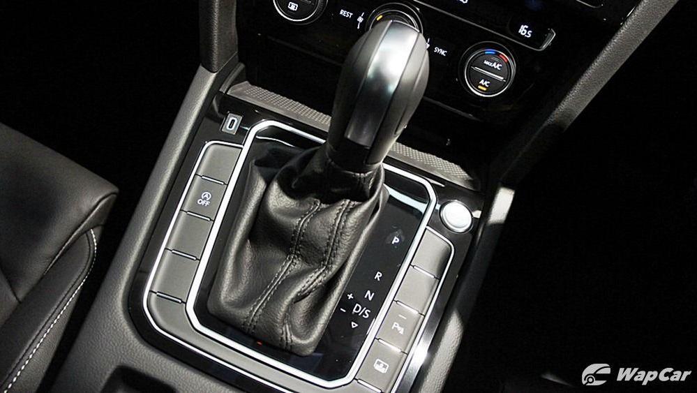 2020 Volkswagen Passat 2.0TSI Elegance Interior 105