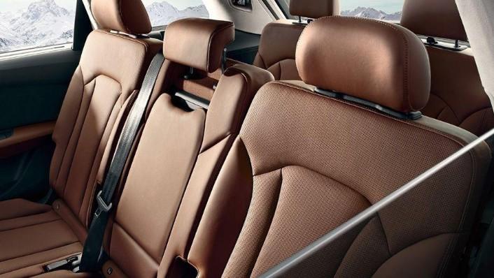 Audi Q7 (2019) Interior 007