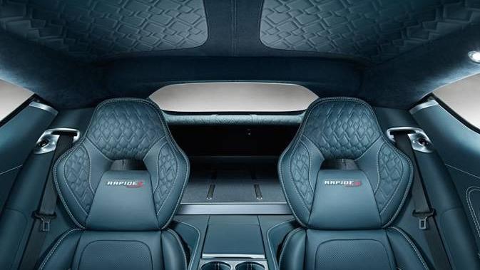 Aston Martin Rapide S (2015) Interior 002