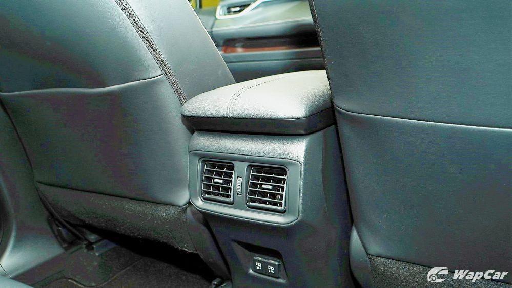 2020 Toyota RAV4 2.5L Interior 098