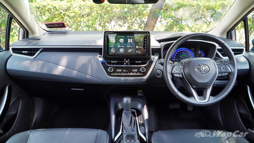 2020 Toyota Corolla Altis 1.8E Interior 001