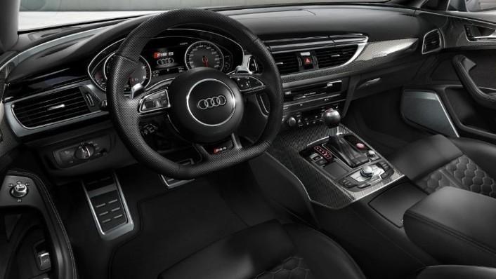2020 Audi RS6 Avant Interior 001