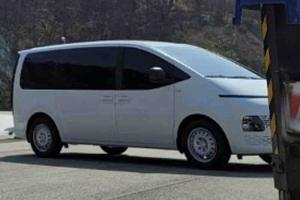 Spyshot: Lower-spec Hyundai Staria spied, hours after teaser photos