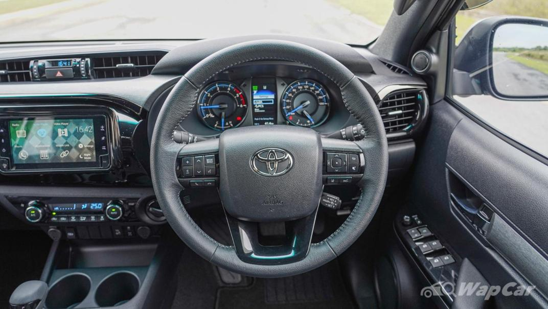2020 Toyota Hilux Double Cab 2.8 Rogue AT 4X4 Interior 002